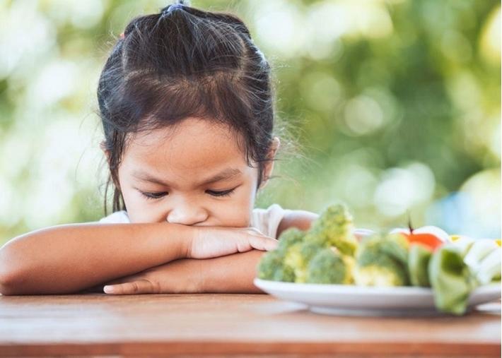 Mách mẹ 6 nguyên nhân trẻ biếng ăn chậm tăng cân